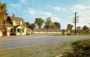 Canada - NB, Woodstock. Cosy Cabins & Motel