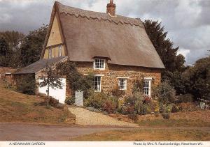 B100636 a newnham garden   uk