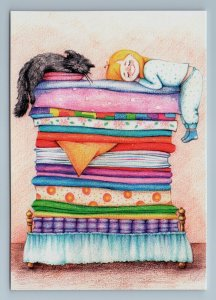 LITTLE GIRL and BLACK CAT sleeps on pillow Soft Sleep Funny Russian New Postcard