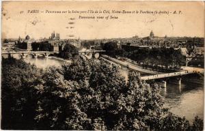 CPA PARIS Panorama sur la Seine (302502)