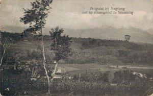 Indonesia Progodal bij Magelang met op de achtergrond de Soembing 03.04