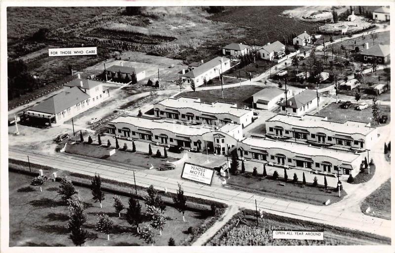 <A9> OHIO Oh Postcard Real Photo RPPC c1940s VANDALIA Yendes Motel BIRDVIEW