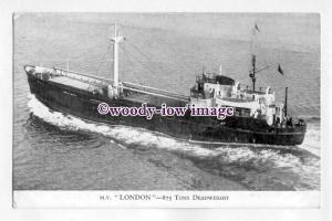 pf4624 - Dundee , Perth & London Coaster - London , built 1951 - postcard