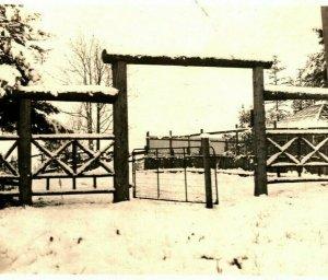Cppr Hiver Neige Scène Ranch Corrall Porte Inutilisé 1910s Unp Vtg Carte Postale