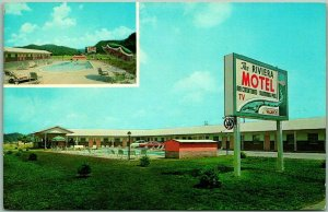 Pigeon Forge, Tennessee Postcard THE RIVIERA MOTEL / Pool View Roadside c1960s