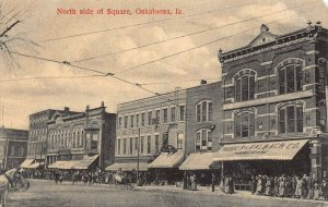 LPS79 OSKALOOSA Iowa North Side of Square Town View Postcard