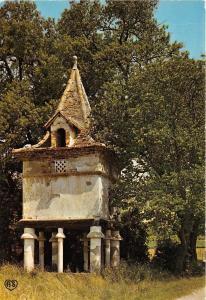 BR15738 Un Pigeonnier typique France