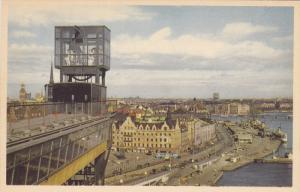 STOCKHOLM, Sweden; Utsikt over Sleppsbron. I forgrunden Katarinahissen med Re...