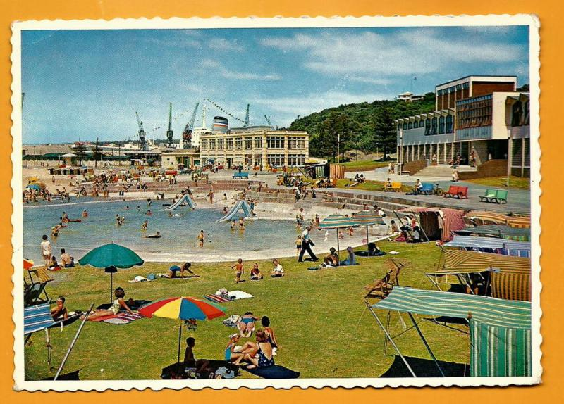 SOUTH AFRICA VINTAGE POSTCARD EAST LONDON POOL ORIENT BEACH
