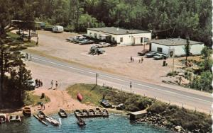 MABERLEY , Ontario, 50-60s ; Ben Barbary's Parkside Servicentre