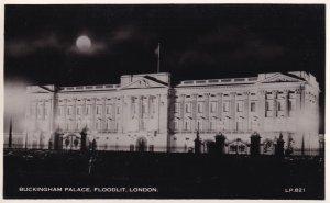 RP; LONDON, England, UK, 1910-1930's; Buckingham Palace, Floodlit