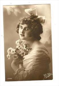 RP  Female head portrait, 00-10s #3