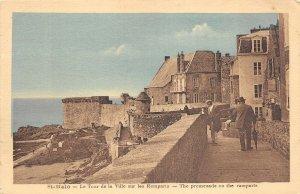 br107378 le tour de la ville sur les remparts st malo france