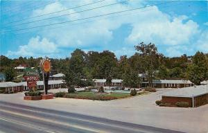 Chattanooga Tennessee~Quality Motel Cascades~1950s Postcard
