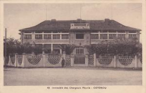 DAHOMEY , Immeuble des Chargeurs Reunis - COTONOU , 00-10s