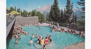 Swimming Pool , Upper Hot Springs , BANFF , Alberta , Canada , 50-60s