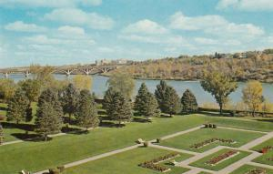 SASKATOON , Saskatchewan , Canada , 50-60s ; The City Beautiful, Bridge
