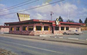 Coo Coo Clock Restaurant Oceanlake Oregon OR Old Car Vintage Postcard E11 *As Is