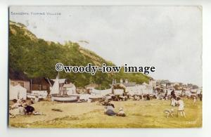 h1254 - Isle of Wight - The Fishing Village & Beach c1926, at Sandown - Postcard