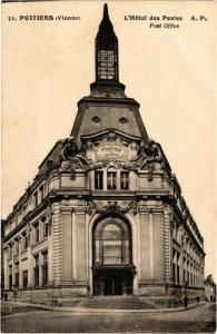 CPA POITIERS L'Hotel des Postes Post Office (255703)