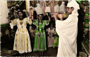 CPA Scenes & Types Le Salon de Danses Algerie (735742)