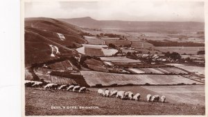 RP: BRIGHTON , UK , 1930s ; Devil's Dike