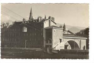 RP; GRENOBLE, Le teleferique de la Bastille, Isere, France, 00-10s
