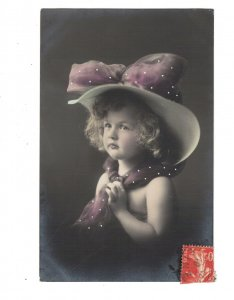 HI1108 FAMOUS CHILD MODEL OF THE 1920 ERA NAKED SHOULDERS BIG HAT LACE VEIL