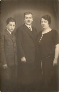 Wahoo Nebraska~RPPC by Photographer Adoph Rosner~Family~Short Moustache Man~1924