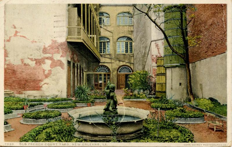 LA - New Orleans. Old French Courtyard