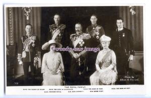 r3049 - Family Group of the Duke of York's Wedding, by Elliot & Fry - postcard