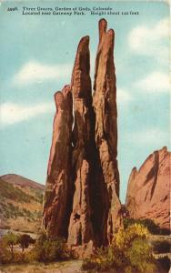 Garden of the Gods, CO, Three Graces near Gateway Park, Vintage Postcard d2467