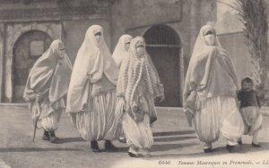 Femmes Mauresques en Promenade , EGYPT , 00-10s