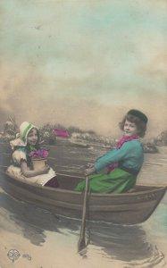 RP: Dutch Kids in a row boat , 1907