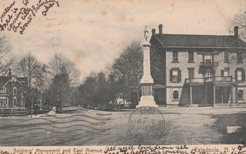 Soldiers' Monument on East Avenue - Caledonia NY, New York - pm 1907 - UDB