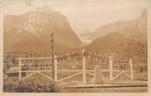 Canada Alberta, British Columbia, The Great Divide, Mountains, Monument