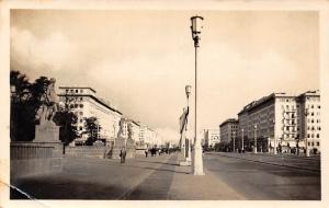 An der Deutschen Sporthalle Salinallee Street Promenade