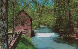Postcard McHargue Mill London Kentucky