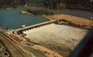 OR - Bonneville Dam.