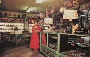 BOWIE , Arizona , 1950-60s ; Home on the Range Motel , Gift Shop