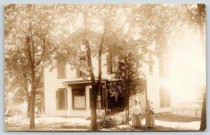 Cornell Illinois~TE Miner Home~Nancy & Grandchild~Daughter-in-Law~Max~1908 RPPC