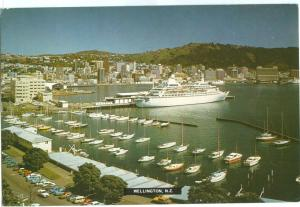 New Zealand, Wellington, 1980s used Postcard