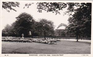 RP: STOKE-ON-TRENT , England , 30-40s ; Bandstand , Longton Park ; TUCK