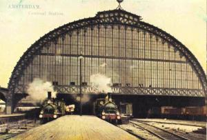 Postcard 1975 AMSTERDAM Central Railway Station (1900) 700 year Celebrations #44