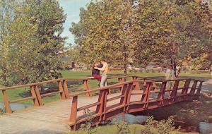 Muncie Indiana~Ball State University~Couple Spoon on Studebaker Bridge~1960s PC