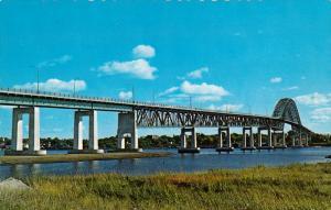 Miramichi Contennial Bridge, Miramichi River, NEWCASTLE and CHATHAM, New Brun...