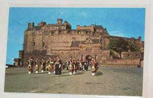 Vintage Postcard:SCOTLAANDHighland Pipes -Edinburgh Castle