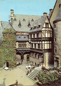 Feudalmuseum Schloss Wernigerode Innenhof mit Fachwerkbau