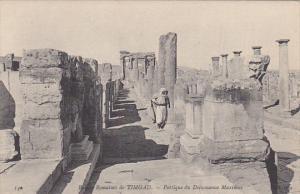 Tunisia Ruines Romaines de Timgad Portique du Decumanus Maximus