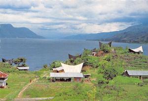 Indonesia Pemandangan Kampung Tuk Tuk di Pulau Samosir, Danau Toba